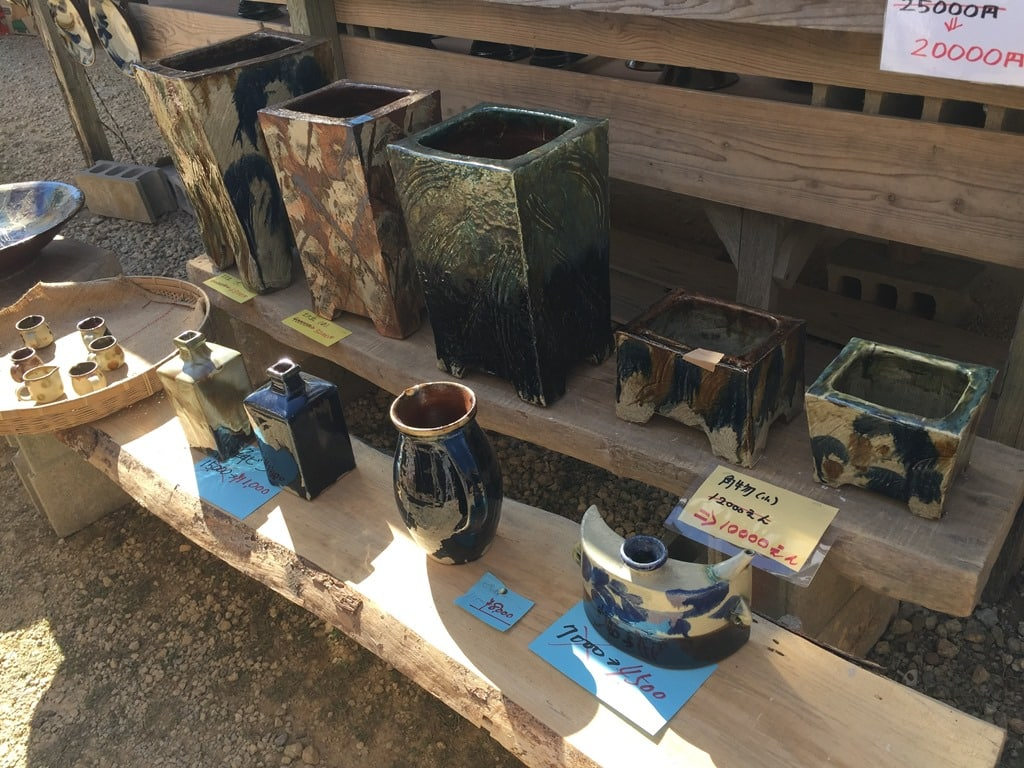Vases for sale at Yomitan Pottery Village