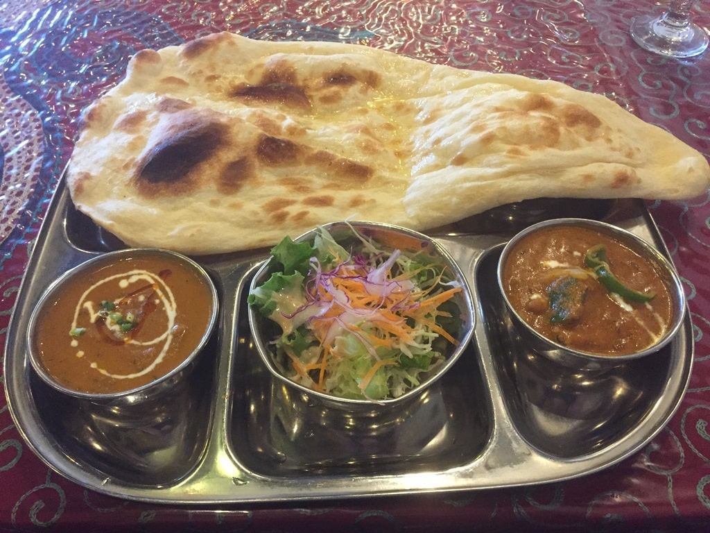 Naan, Curry & Salad Set