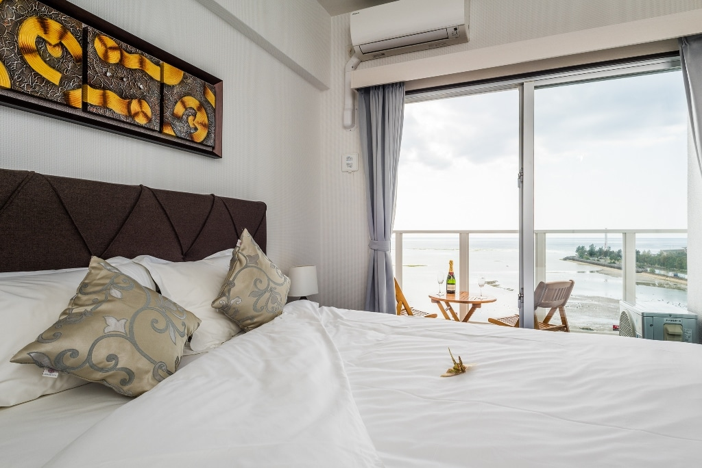 DSH Double Bed Room with Balcony & Ocean View